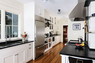 Small Gourmet Kitchen Designs