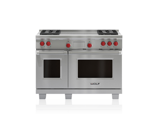 Wolf  122 cm Dual Fuel Range - 4 Burners and French Top ICBDF484F